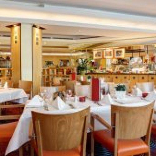 Restaurant-mit-Showküche-ABACUS-squashed-300x169