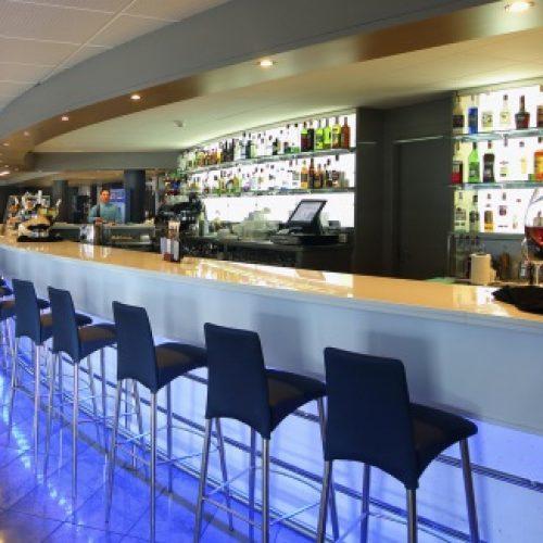 bar-hotel-onabrava-santa-susanna-violettacars_4.jpg