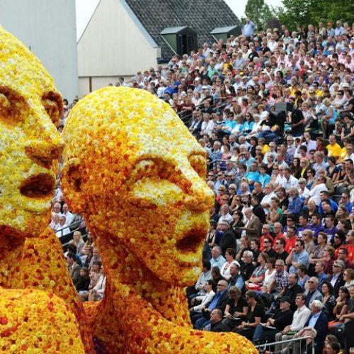 bloemen-corso-zundert-violettacars-facebook-google-evenement-markt.jpg